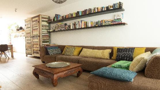 "Amsterdam Double Delight with 3 bedrooms in ""DE PIJP"""
